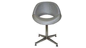 Cadeira Cinza Moderna com Pés Inox