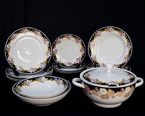 Aparelho De Jantar Em Porcelana Schmidt Motivos Flores