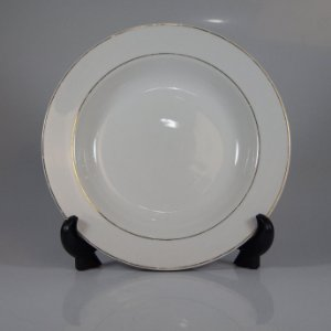 Prato em Porcelana Germer Filetado em Ouro