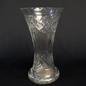 Vaso em Cristal Bohemia Lapidado 25cm