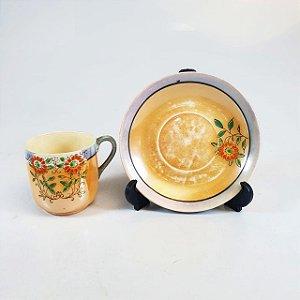 Xícara e Pires para Café em Porcelana Japonesa Casca de Ovo