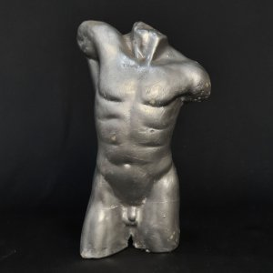 Escultura Torso Masculino Prateado em Gesso