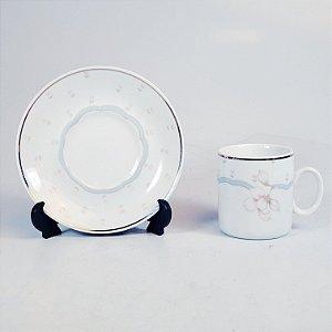 Jogo de Café em Porcelana Filetado em Ouro