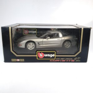 Miniatura Chevrolet Corvette 1997 Burago Diamonds