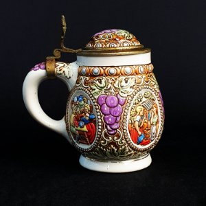 Caneco de Chopp em Cerâmica com Tampa Ceramarte