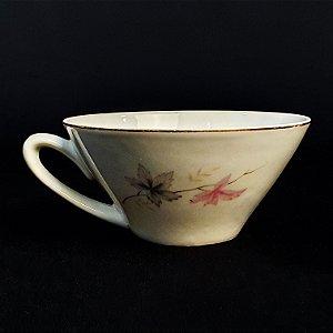 Xícara De Chá em Porcelana Real Filetado
