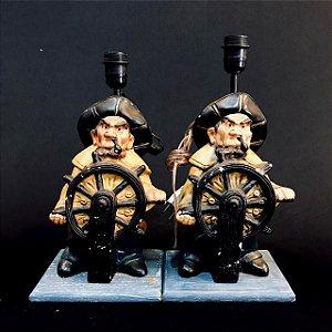Par de Abajur em Resina Capitão Marinheiro