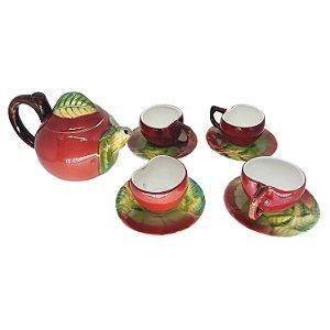 Jogo de Café em Porcelana Vermelha C/ Formato em Maça 9 Pçs