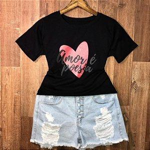 Camiseta Amor é Poesia com Glitter