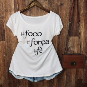 T-shirt Plus Size Hashtag Foco Força Fé
