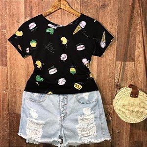 T-shirt Cupcake Colorido Estampa Dupla Preto