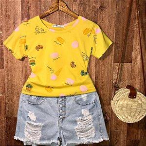 T-shirt Cupcake Colorido Estampa Dupla Mostarda