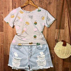 T-shirt Cupcake Colorido Estampa Dupla Cinza