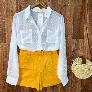 Short Tecido com Cinto Amarelo