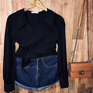 Camisa Cropped Transpassada Toque de Seda Bruna Black