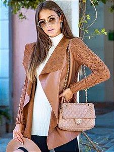 Casaco de couro fake e manga tricot