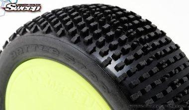 Jogo de 4 pneus e rodas Sweep Battle Star Extra Soft para buggy 1/8