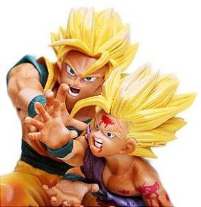 Goku e Gohan Super Saiyajin Contra Cell