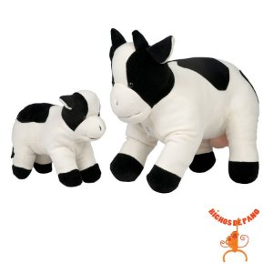 Vaca grávida com 1 filhote