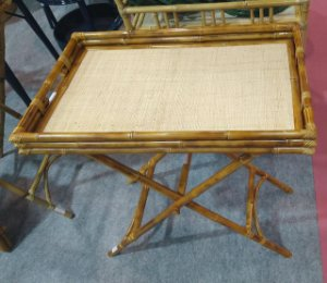 Mesa bistrô em bambu natural,  dobrável e com palha 70x52x58