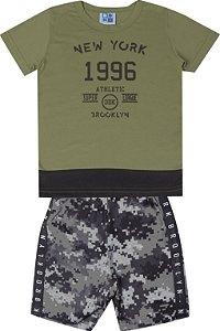Conjunto de Camiseta em Meia Malha Penteada Bermuda em Microfibra Rotativa Verde