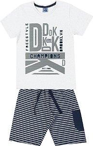 Conjunto de Camiseta em Meia Malha Penteada Bermuda em Moletom Listrado Branco