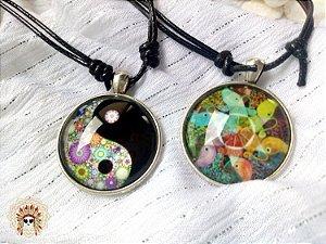 Lindas medalhas Ying Yang, mandalas e geometria sagrada.