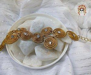 Linda pulseira feita com capim dourado e pedras