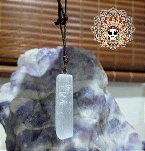Cordão cristal Selenita. A pedra de ativação espiritual