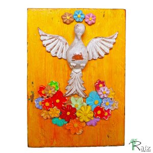 Quadro Divino Espírito Santo Com Flores Madeira Pátina Branca Fundo Amarelo Encerado (30x21)cm