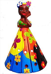 Arandela Boneca de Madeira Com Lenço Entalhada com Pintura ManuaL Patchwork 40cm