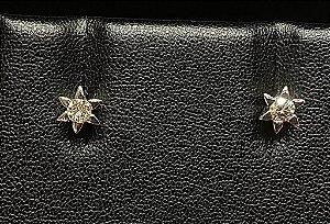 Brincos Solitários com Diamantes e Ouro branco total 10 pontos