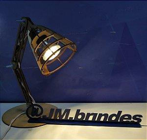 Luminária de Mesa em MDF