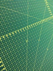 Base de corte 60x45 + 2 guirlanda 25 cm + 2 guirlanda 32 cm
