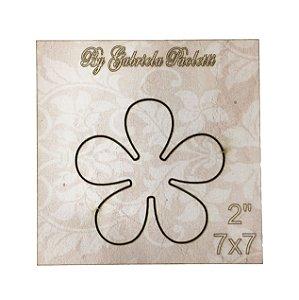 """Gabarito MDF Quadrado Flor 7x7 - 2"""" - By Gabriela Paoletti"""