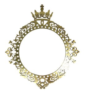 Brasão C/Coroa M MDF Personalizado By Gabi Paoletti 10x9 cm