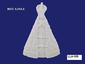 Aplique em Resina Nossa Senhora P 6,5x4,5 cm - LLA 109
