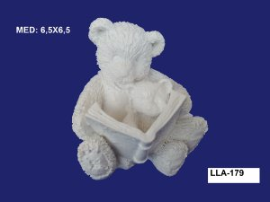 Aplique em Resina Urso Lendo P/ Bebe Urso 7x7 cm - LLA 179