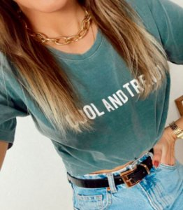 T-SHIRT COOL AND TRENDY