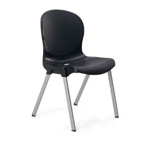 kit 2 cadeiras plastica preta 140kg injeplastec 1149
