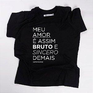 Camiseta QTVQTV  Meu Amor é assim