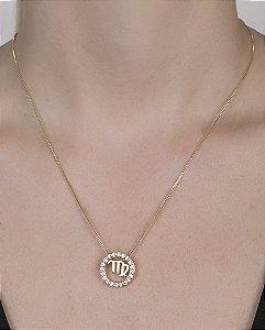 Colar de metal dourado com strass cristal Virgem