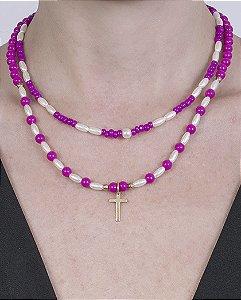 Colar de metal dourado com pedra pink dorotéia