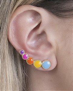 Ear cuff de metal dourado e colorido pietra