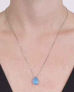 Colar de metal prateado com pedra azul kauane