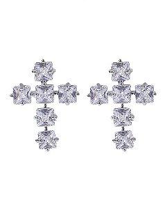 Brinco pequeno de metal prateado com pedra cristal yarin