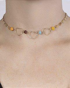 Gargantilha choker de metal dourado com pedras coloridas raven