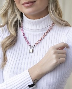 Colar pink com pingente prata luri