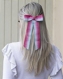 Presilha prateada com tie dye rosa e turquesa alice
