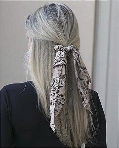 Laço de tecido marrom tyga